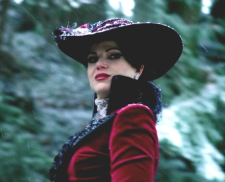 Evil-Queen-once-upon-a-time-32263545-887-720