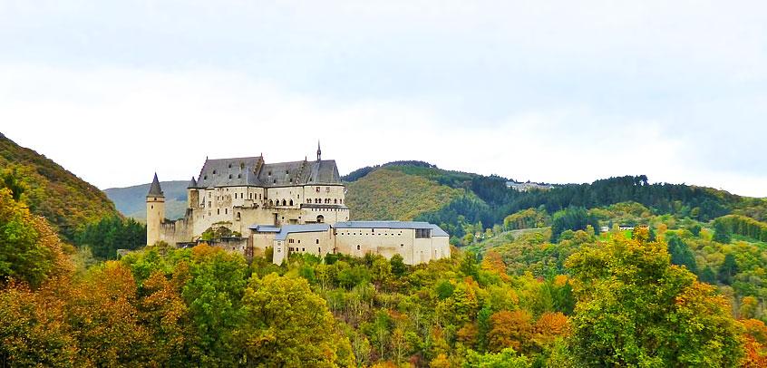 luxembourg-tourism-europe-vianden-castle